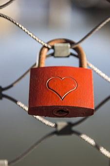 cadenas avec coeur
